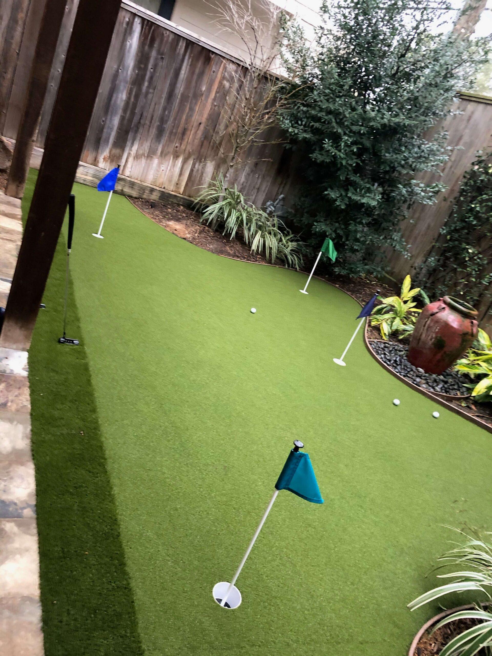 backyard-artificial-putting-green